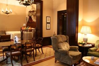 Upgraded suite, Lanesborough Hotel